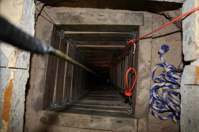 Tunnel ilegal cross border Mexico U.S.